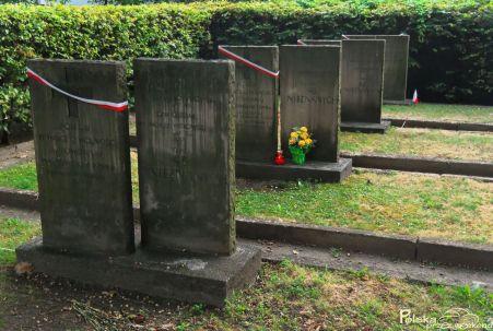 b_451_303_16777215_00_images_users_Cmentarzu_Powstacw_Warszawy05.jpg